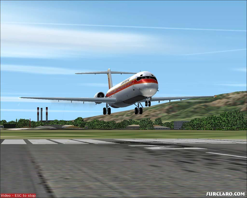 Continental MD80 approaching rwy 2 Maui, Hawaii.  Love to fly! - Photo 5869