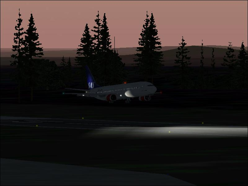 Just about to touch down at Froson AB with a 737-400 SAS. - Photo 195