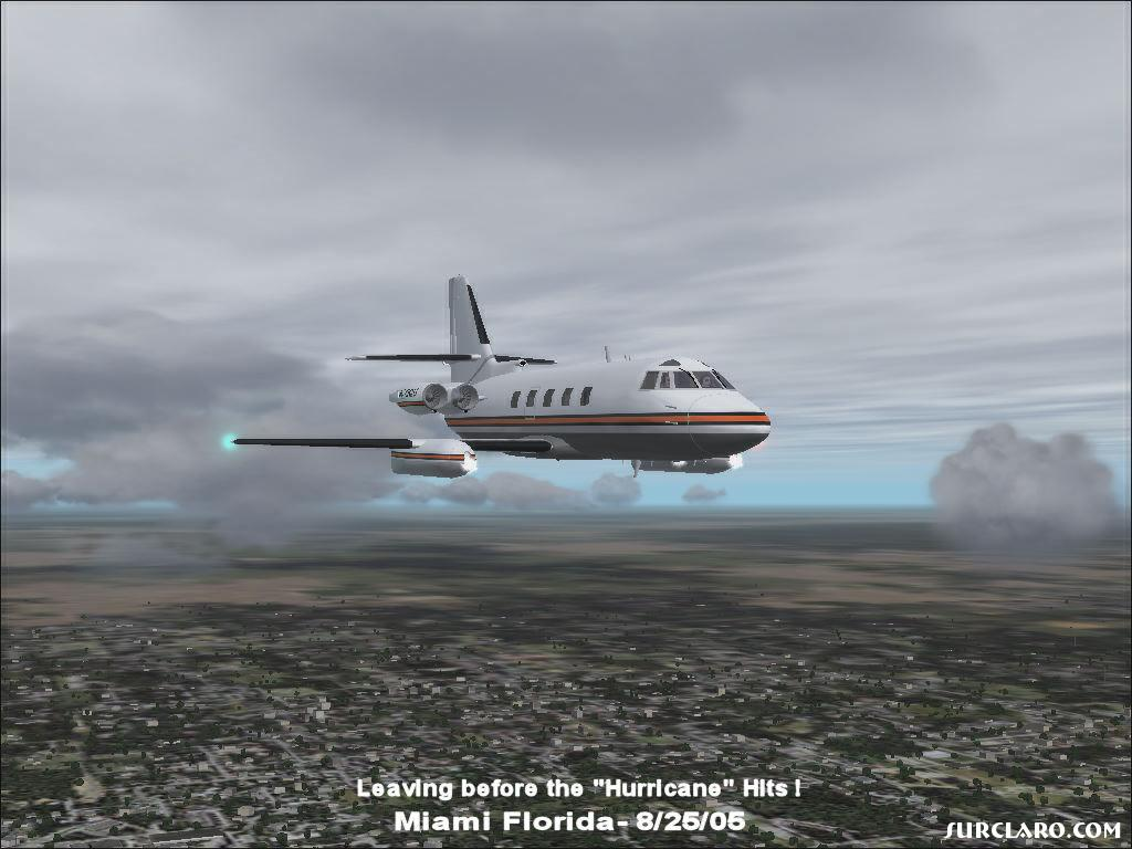 Lockheed JetStar flying out of Miami area before the Hurricane starts !!       8/25/2005 - Photo 10206