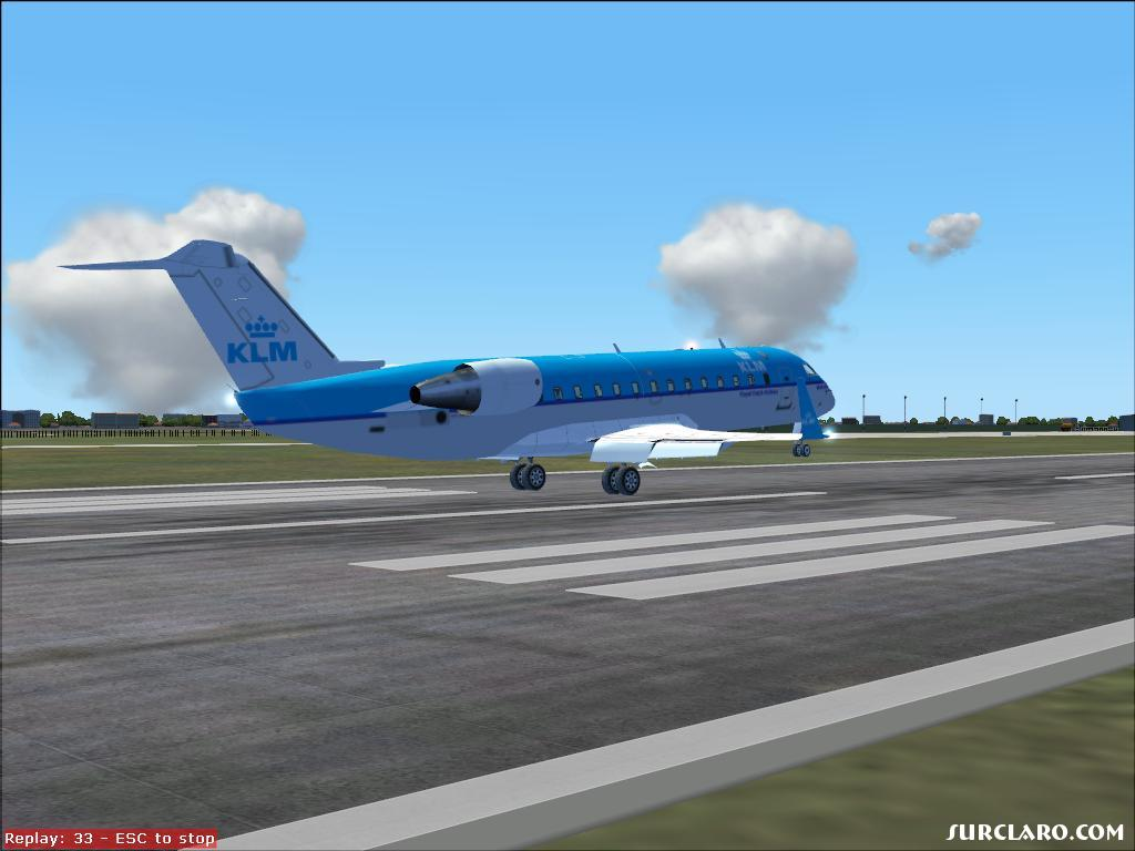 This is my KLM ''Wolkendraak'' just before touchdown at Charleroi Airport - Photo 13616