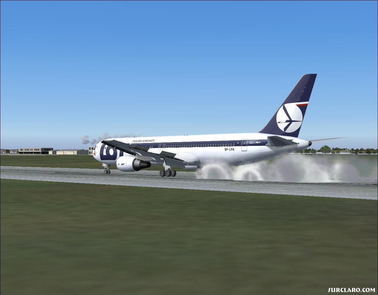 FS2004 Landed Again (7712) SurClaro Photos