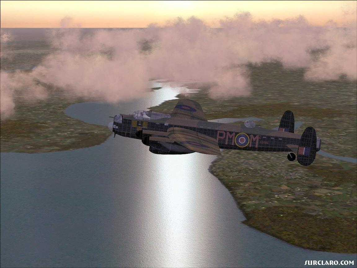 Lancaster over the suffolk coast - Photo 11437