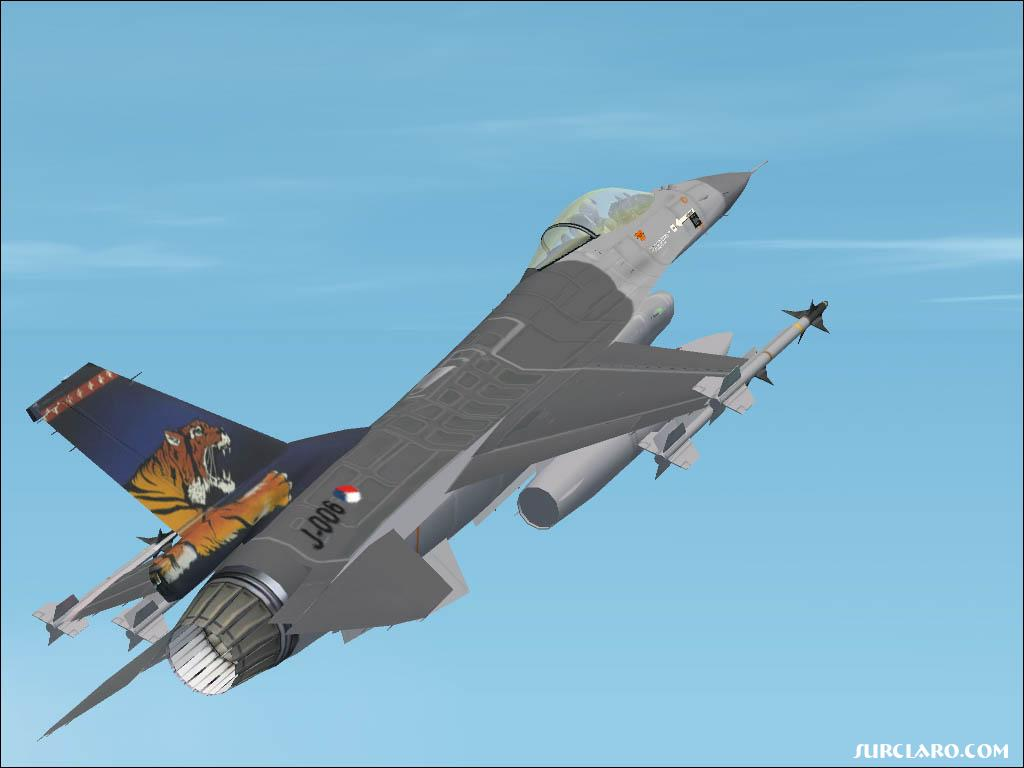 F-16 of the RNLAF with the special Tigermeet tail of '91. - Photo 3071