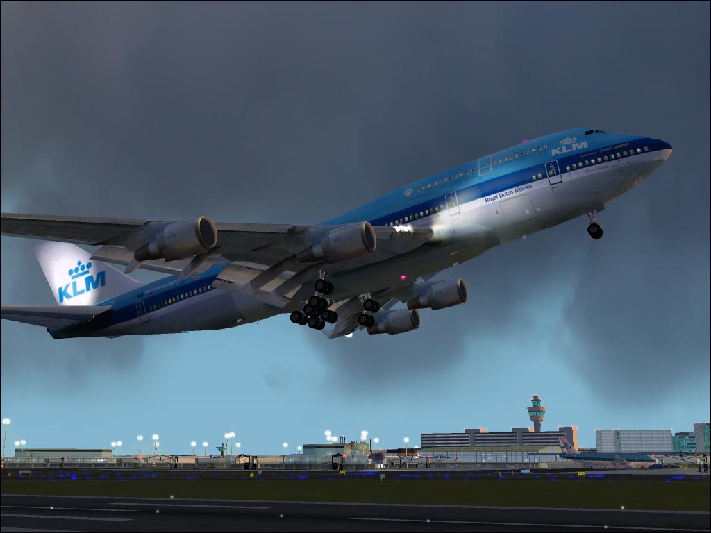 A nice KLM 747-400 taking off at Schiphol Airport (EHAM). - Photo 1613