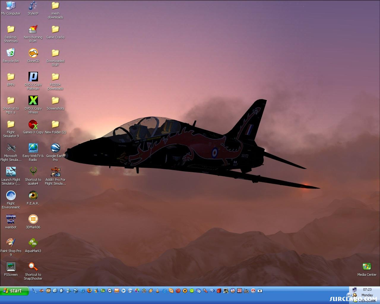 This is my desktop at the mo :) - Photo 14184