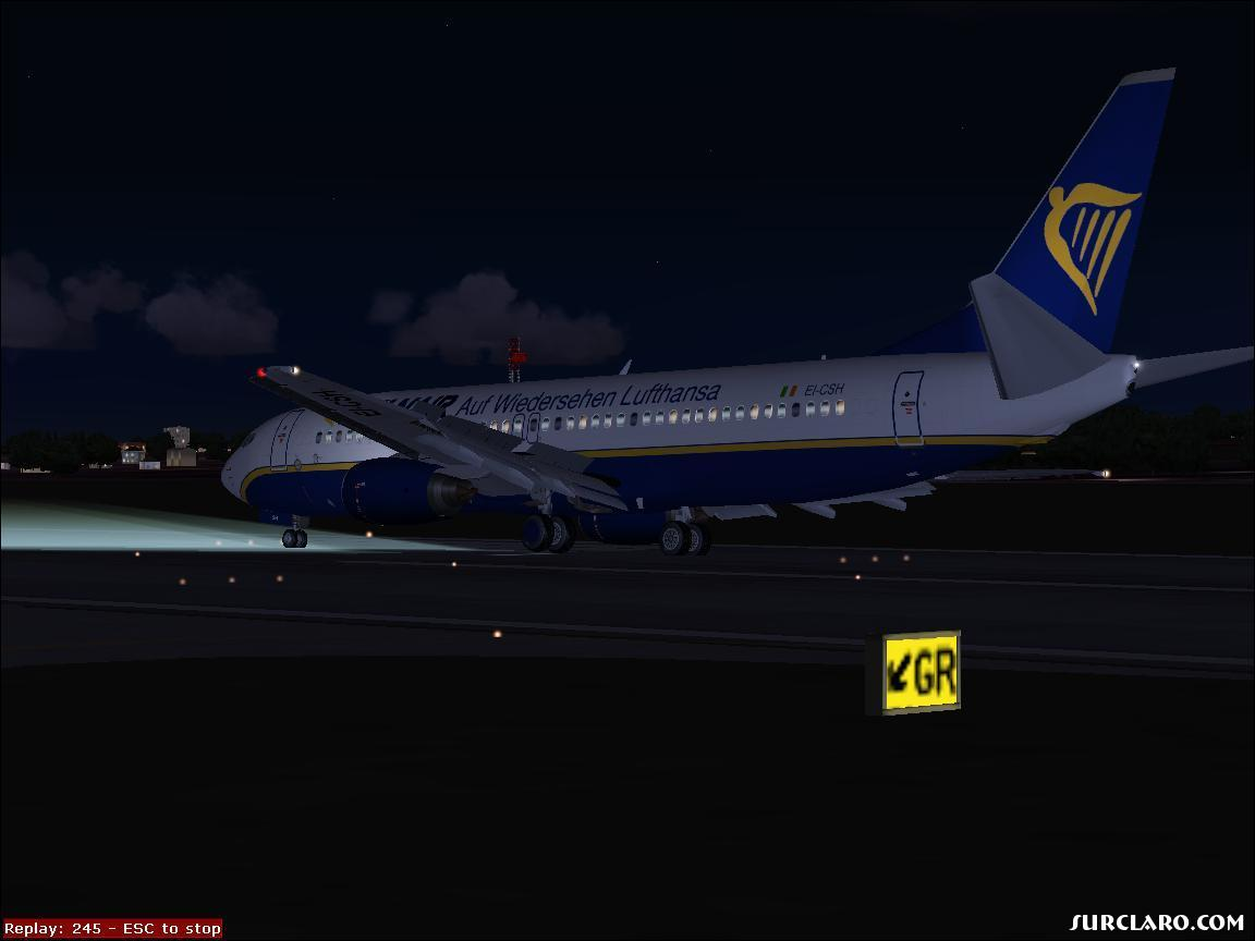 Ryaair land at gatwick, cross wind - Photo 15267