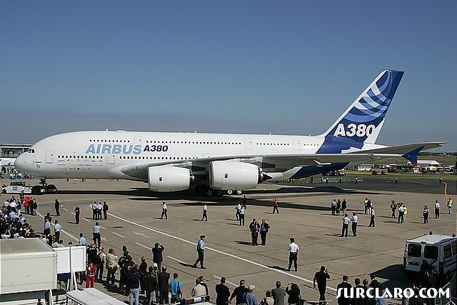 a380 parked up and on show for the public. - Photo 8645