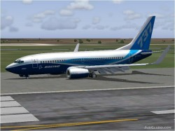 FS2004 Boeing 737-700NG Dreamlier colours image 1